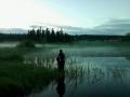 Lumijärvi yöllä , ukko se siellä saappaitaan myöten vedessä...=)