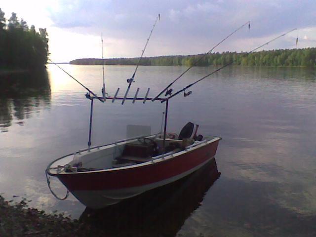 Kalastus välineemme Päijänteen saaristossa. :)