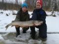Iskukoukku kalastusta rahmu10 kanssa. Hauki 5,7kg